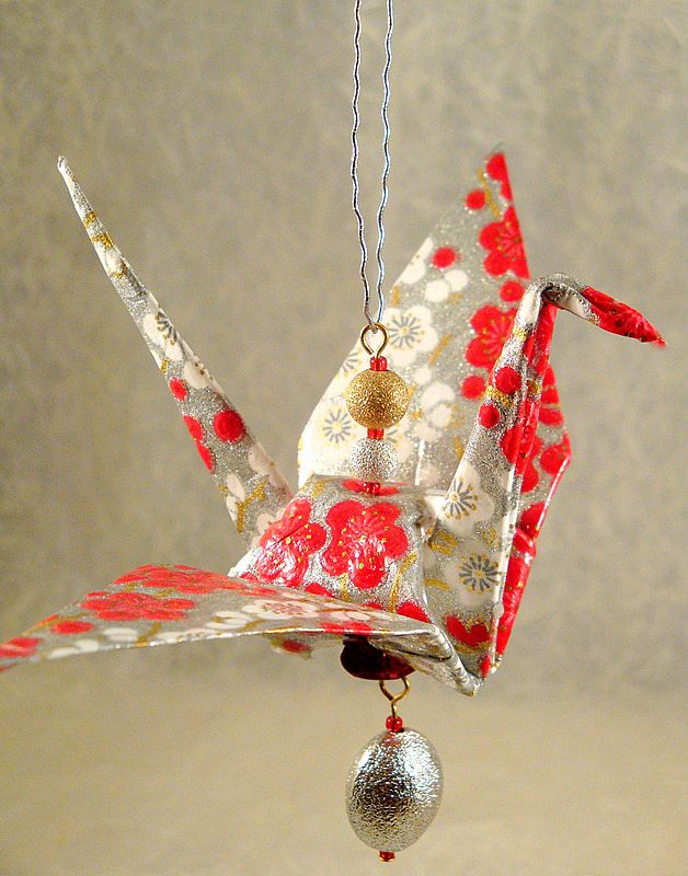 How To Make A Paper Crane Christmas Ornament Origami Christmas Ornament Christmas Origami Origami Ornaments