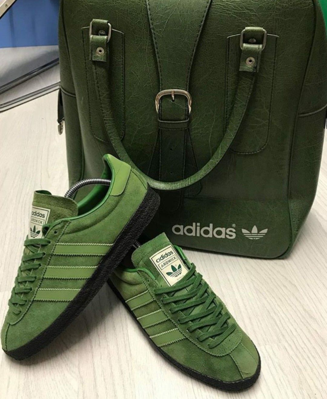 the latest 286e2 f65a4 Adidas Ardwick and a stunning vintage adidas holdall.