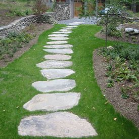 Natural Flagstone Steppers Google Search Walkway Landscaping Backyard Walkway Stepping Stone Pathway