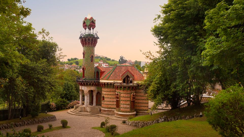 El Capricho de Gaudi by Antoni Gaudi 1883-1885 @ El ...