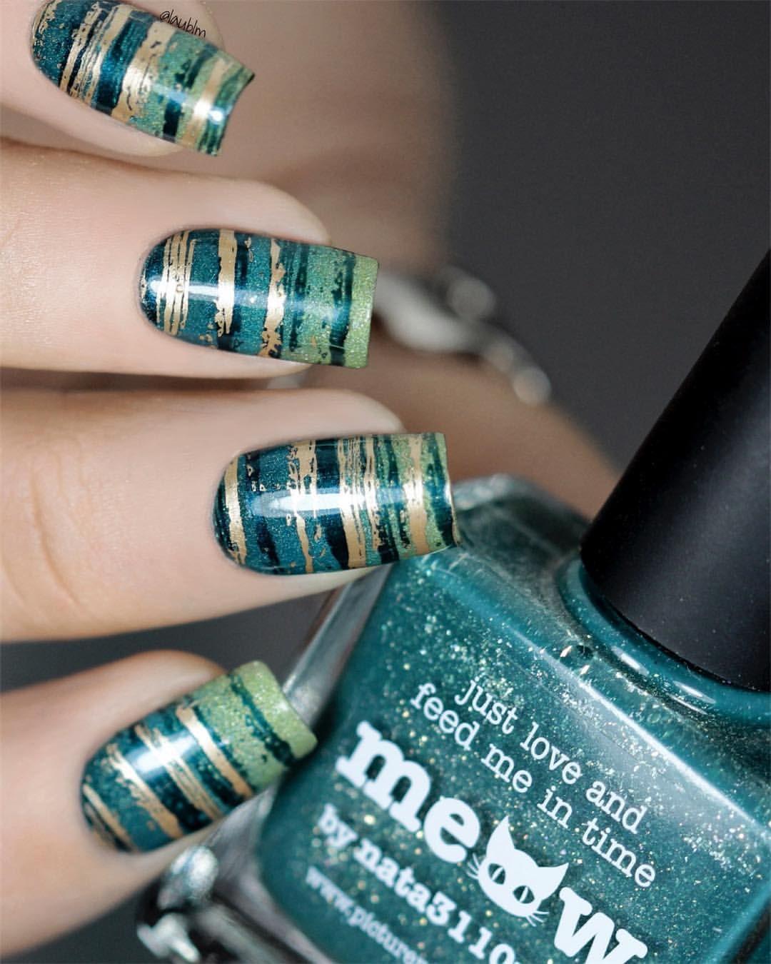 Concrete And Nail Polish Striped Nail Art: Gradient Teal To Green, Gold & Black Horizontal Stripes