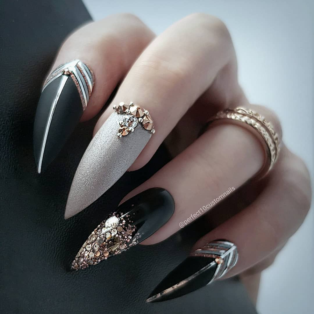 Nail Stylist Luxe Press Ons On Instagram I Always Forget To Do Throwback Thursdays And Fla Black Stiletto Nails Stiletto Nails Designs Black Acrylic Nails
