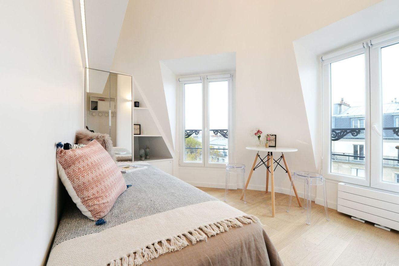 Chambre De Bonne Paris Petits Espaces Transformes Par Les Pro Chambre De Bonne Amenagement Studio Appartement