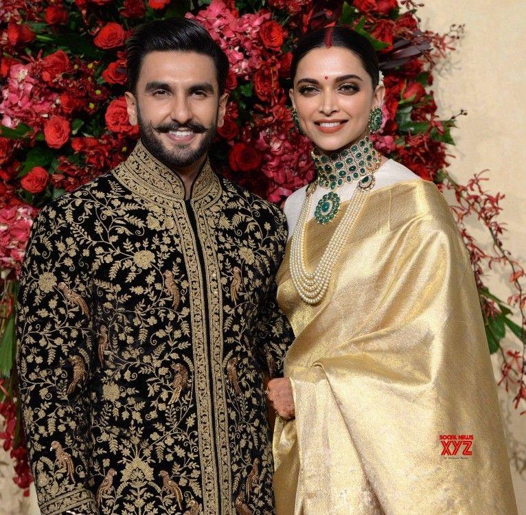 Deepveer Deepika Padukone N Ranveer Singh At Her Wedding Reception Bangalore Bollywood Wedding Deepika Padukone Indian Celebrities