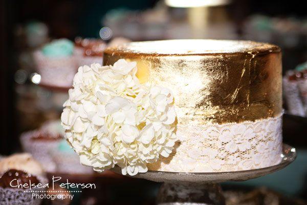 gold-leaf-cake-wedding-metallic-turquoise