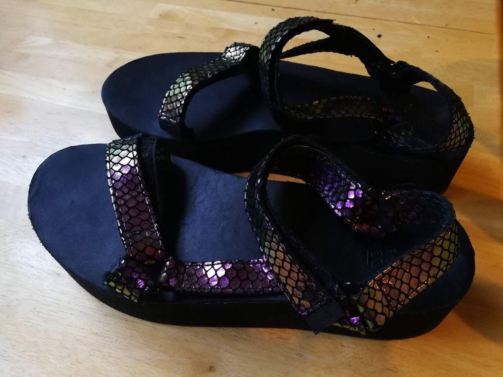 6e34cc813c64 Teva Flatform Sandal Floral Black Platform Sandals Womens Size 8 NIB   fashion  clothing