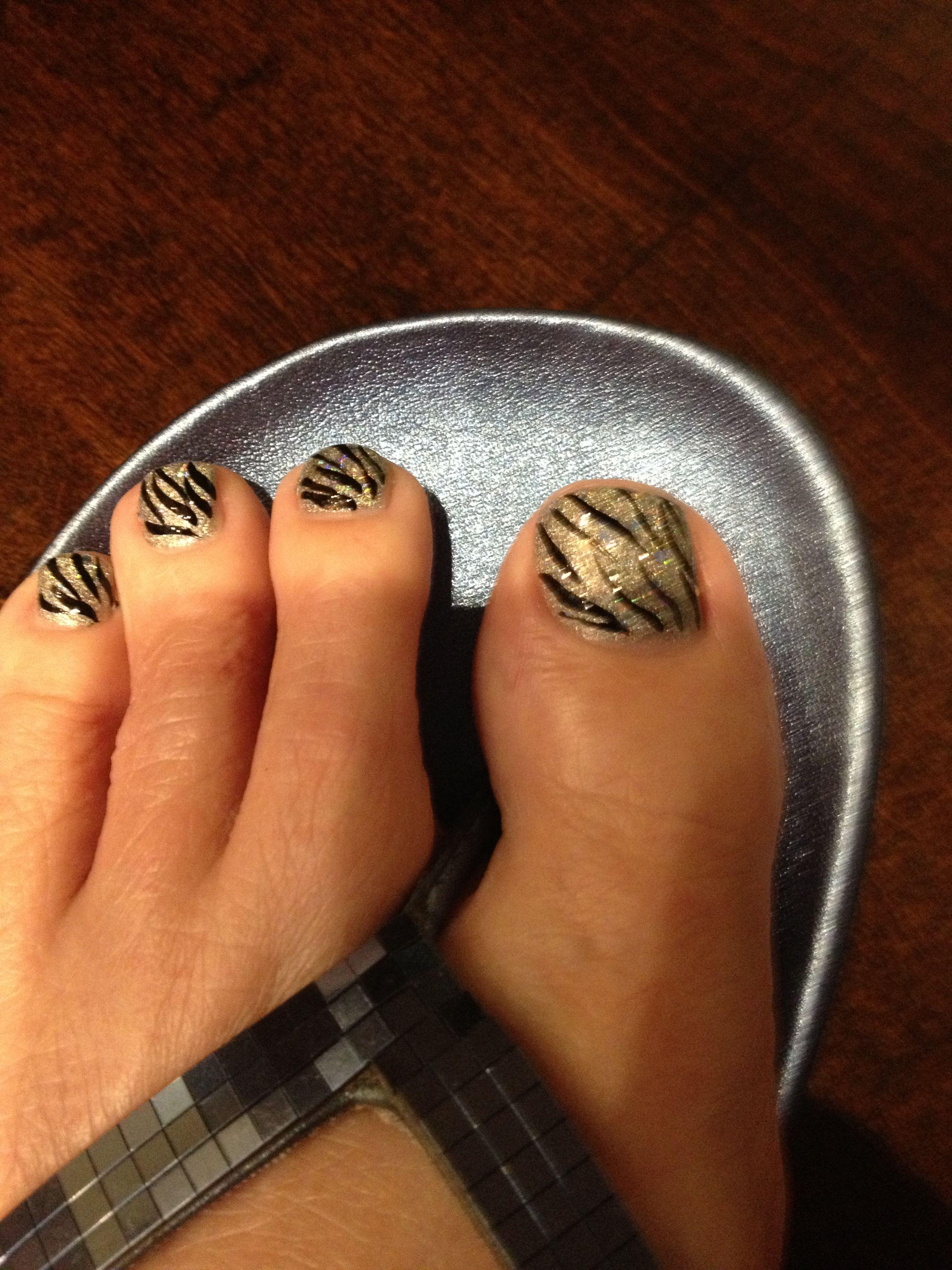 Blk/wht Zebra stripe w/ glitter