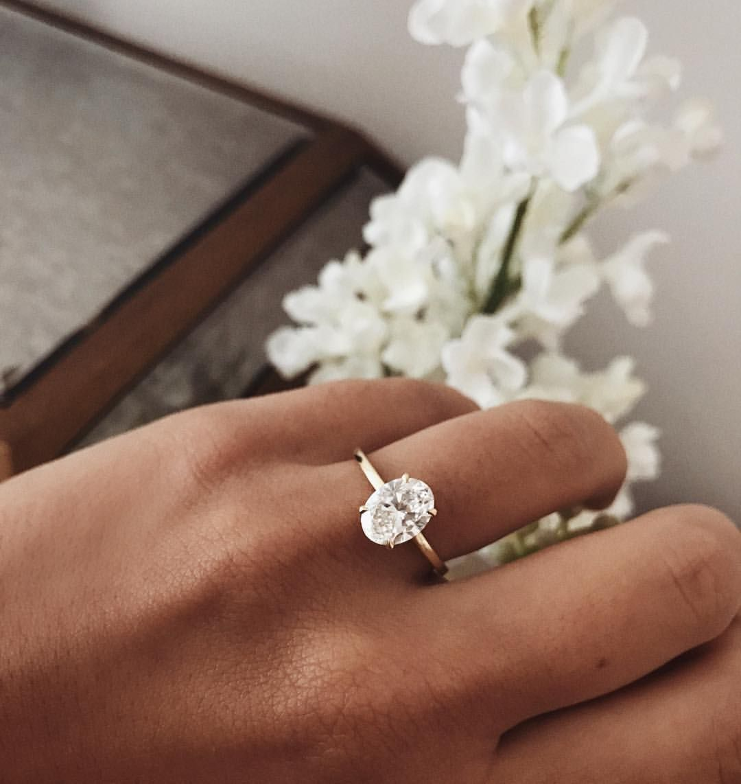 1 487 Likes 31 Comments Thessy Kouzoukas Thessy K On Instagram A Reminder Every Time I Wedding Rings Simple Wedding Rings Engagement Wedding Rings Oval