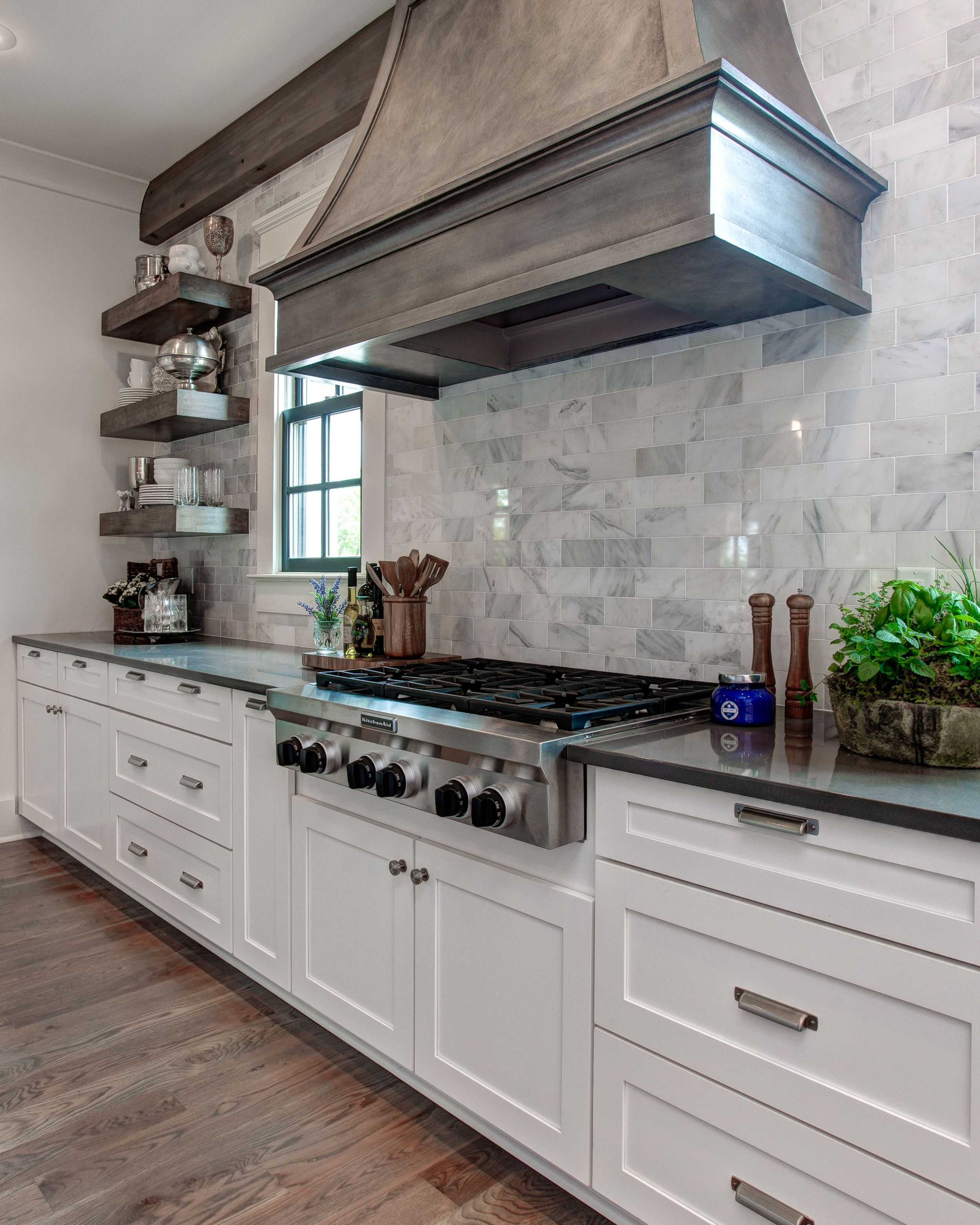 The Post You Have Been Waiting For Southern Living Design House Behind The Scene Providence Design In 2020 Kitchen Design Colonial Kitchen Living Design