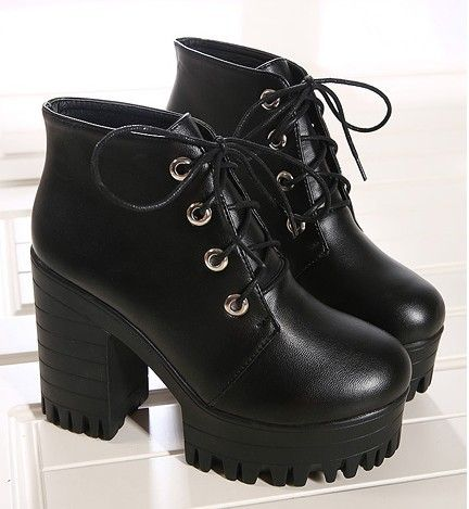 Botas de plataforma para as mulheres sapatos mulher rendas até moda martin  bombas de punk botas de tornozelo outono inverno primavera de salto alto  botas ... 7d148c16377