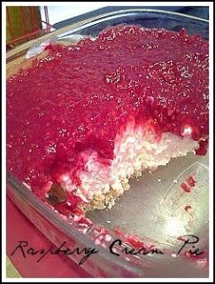 Modern Vintage Housewives: Raspberry Cream Pie. Oh. My. Gosh. Soooo good! Just made this and it was gone in 10 minutes!