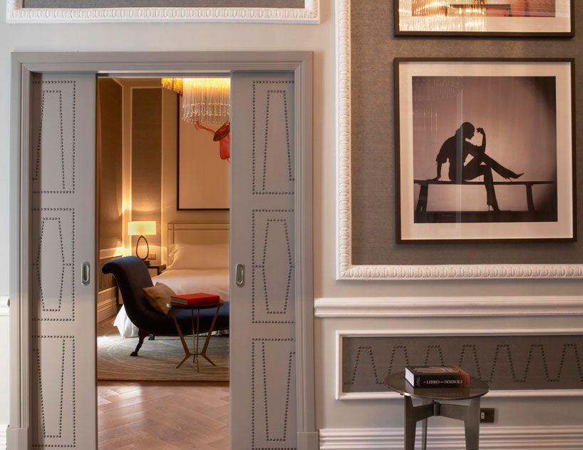 La décoration luxueuse classe et élégante du st regis à rome des lignes glamour relevées par de délicats détails tout est destiné à nous séduire