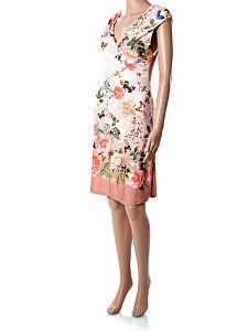 Ružové kvetované letné šaty po kolená  Krátke letné ružovo-hnedé šaty po kolená, bez rukávov, s bielym lemovaním a potlačou kvetín a motýľov. Šaty sú vhodné na štíhlejšie postavy, aj s väčším poprsím vďaka prekladanému strihu na hrudníku. Materiál je kvalitná prírodná viskóza s prímesou elastanu pre vyššiu pružnosť.  http://www.yolo.sk/saty/ruzove-kvetovane-letne-saty-po-kolena