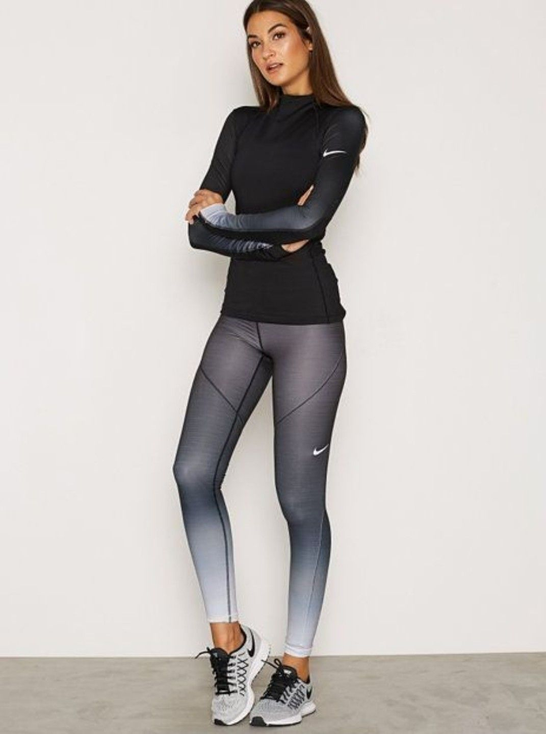 c0b33a1c30704 ... Athletic Gym Comfy Foldover. 25 Workout Outfits That You Can Copy For  Spring. Nike women sportoutfit