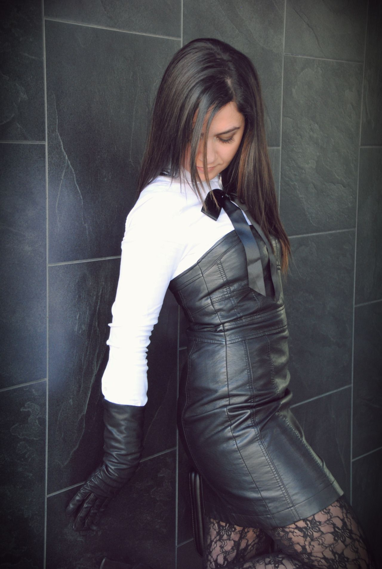 Leather Dress And Gloves Leather Gloves Outfit Leather Gloves Women Leather Dresses [ 1907 x 1280 Pixel ]