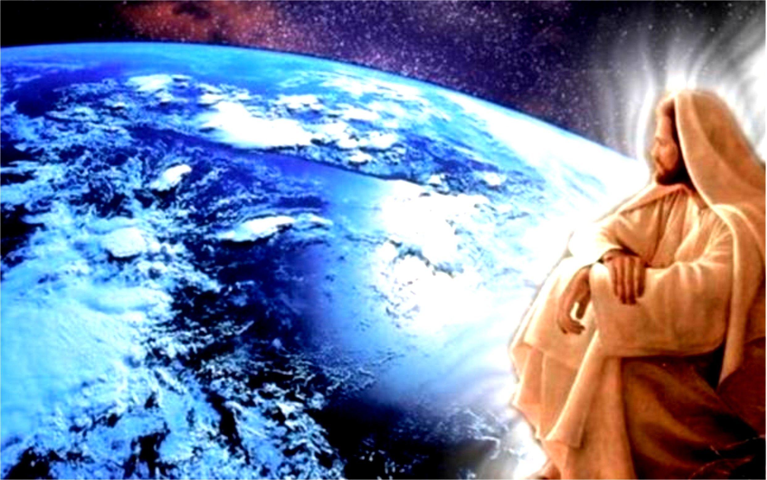Jesus,nós olha e nós guarda lá do alto.  Para que não tropeçámos,e nem desviemos de suas pegadas.  Ele deixa-nos,as instruções,e lições de fé,de coragem;  A Santa Biblia,a palavra de Deus.  E o que Ele quer de nós,e o que Ele nós deixou como exemplo.  Morrendo na Cruz,para que vivesse-mos,e para ir com Ele.  Ao lugar que foi preparar para nós!  Amem!