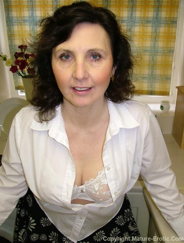Http Www Mature Underwear Com Gallerypreview Photos