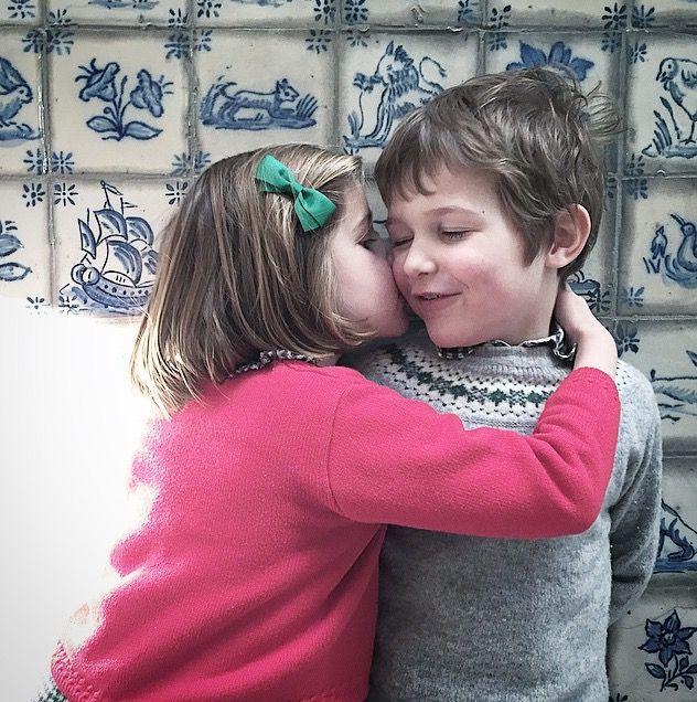 3429d48e5 Very Sweet Hug & Kiss | Kiss Me | Sweet hug, Kids kiss, Baby kiss