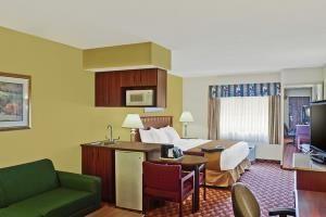 Low Cost Hotel Best Western Crown Inn Suites Batavia Usa