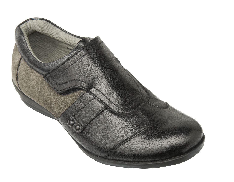 Fancy and cool casual shoes for men.  Visit: http://www.tashi-til.com/search/men