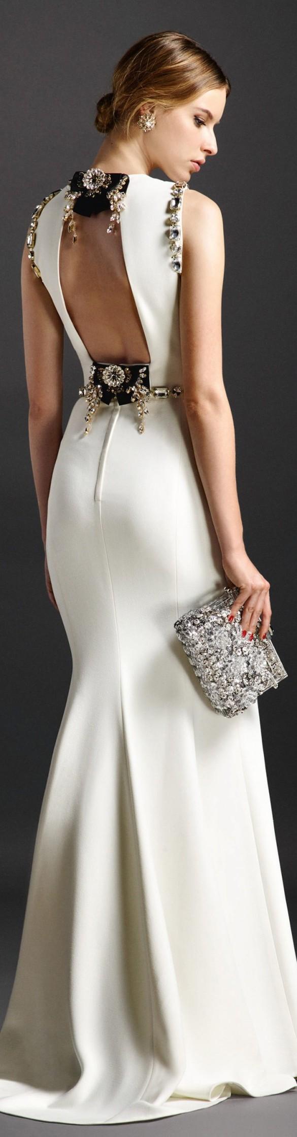 Dolce gabbana spring 2016 divine dresses pinterest for Dolce and gabbana wedding dresses