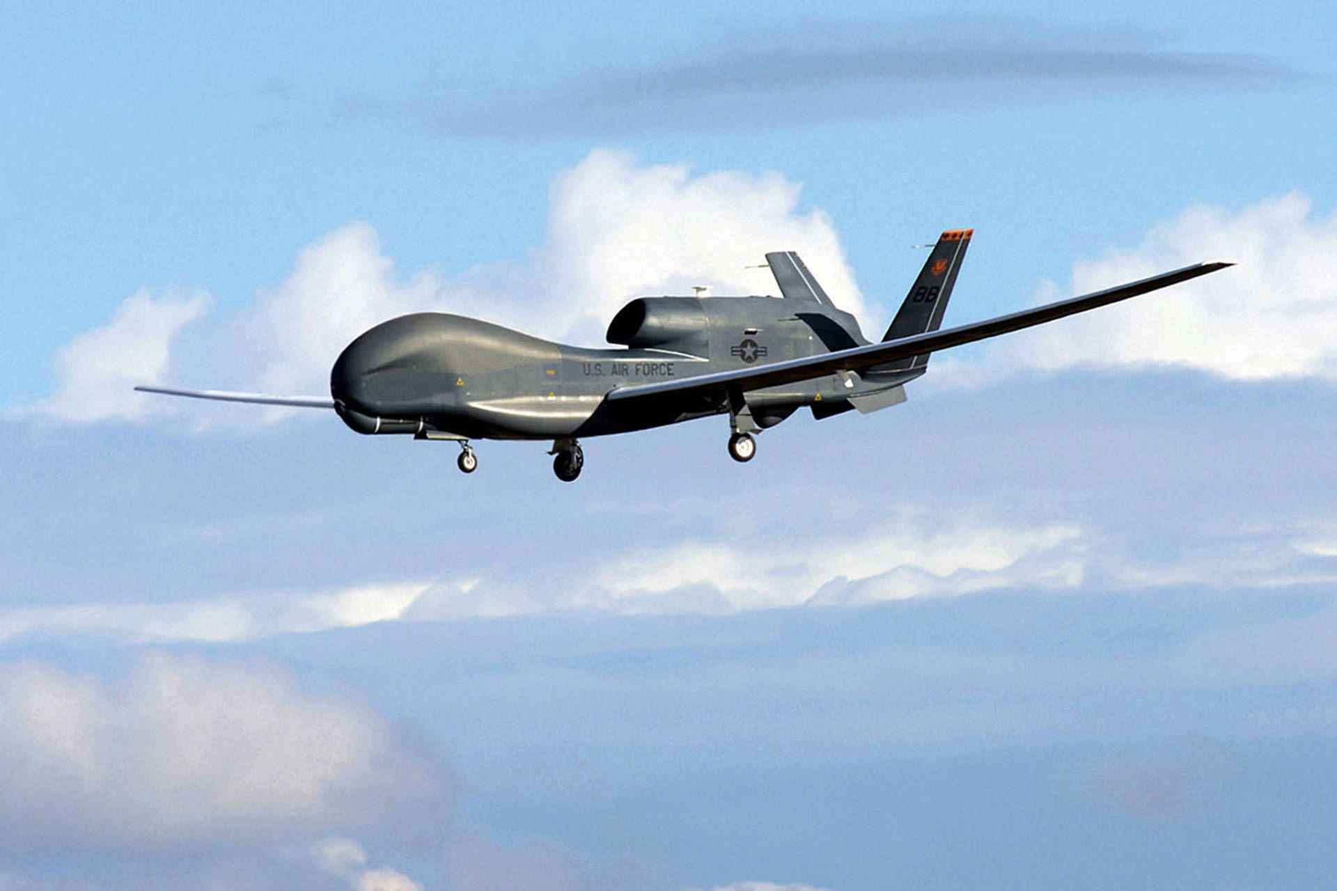 Risultati immagini per USAF Northrop Grumman RQ-4B