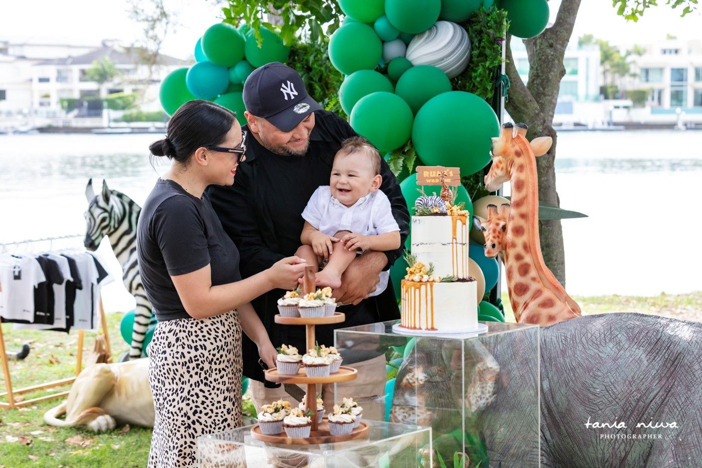 Mum, Dad and little Rumi 💚 . . . . . Rumi's 1st Birthday @whyjustcozza Styling, co-ordination, picninc and props @nextevent.com.au Jungle animals @honeytub_event_hire Balloons @lovenwishesstyledevents Signage @veryflamingo.com.au Photography @jaznaandco #goldcoast #gc #brisbane #eventstyling #love #florals #party #events #eventplanner #eventplanning #instagood #corporateevents #event #styling #eventdesign #corporate #one #1stbirthday #birthday #party #kidsofthegoldcoast