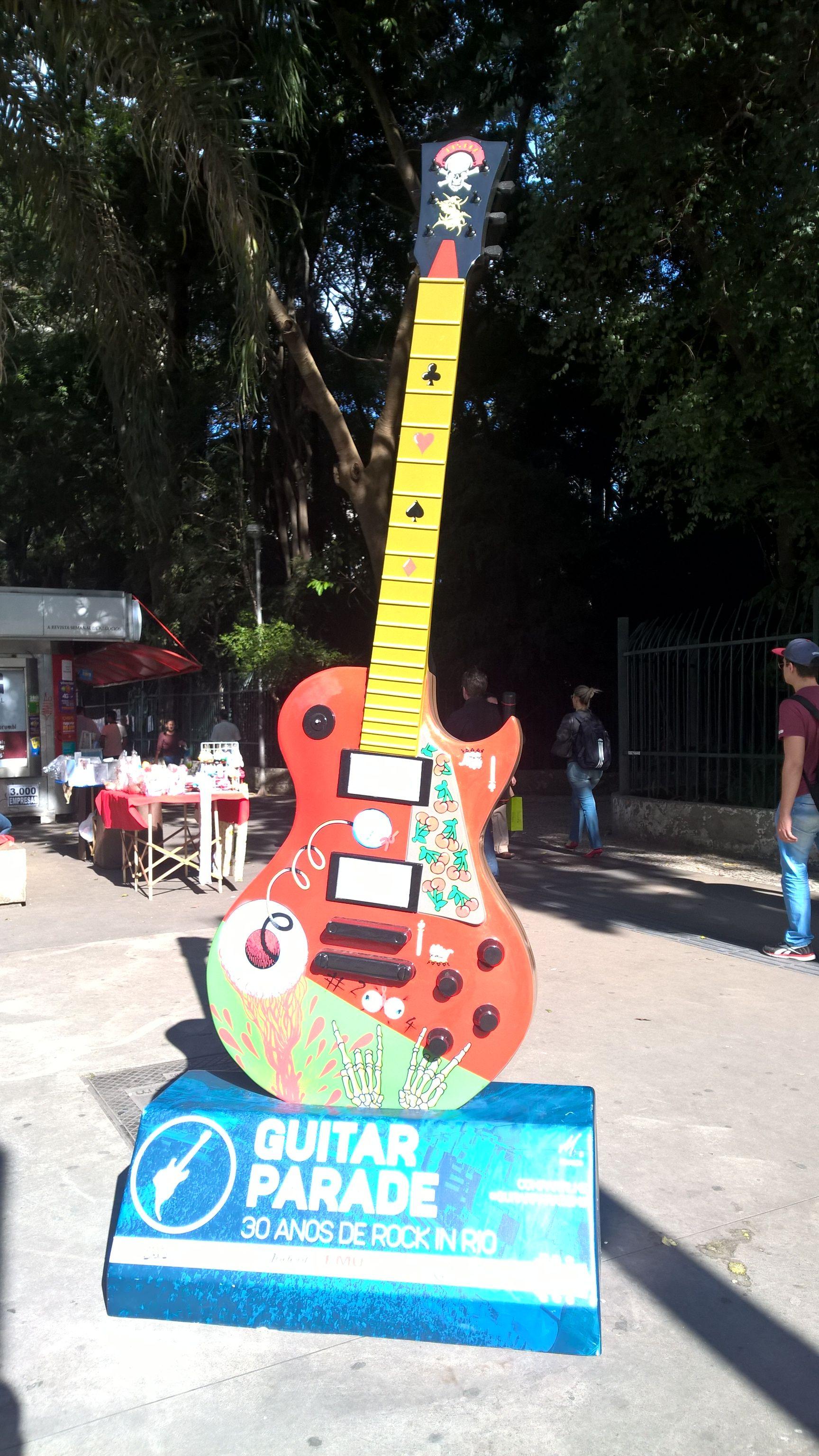 #rockinrio #rock #guitar #urban #art #city #paulistaavenue #avenue #saopaulo #sp #brazil #lumia