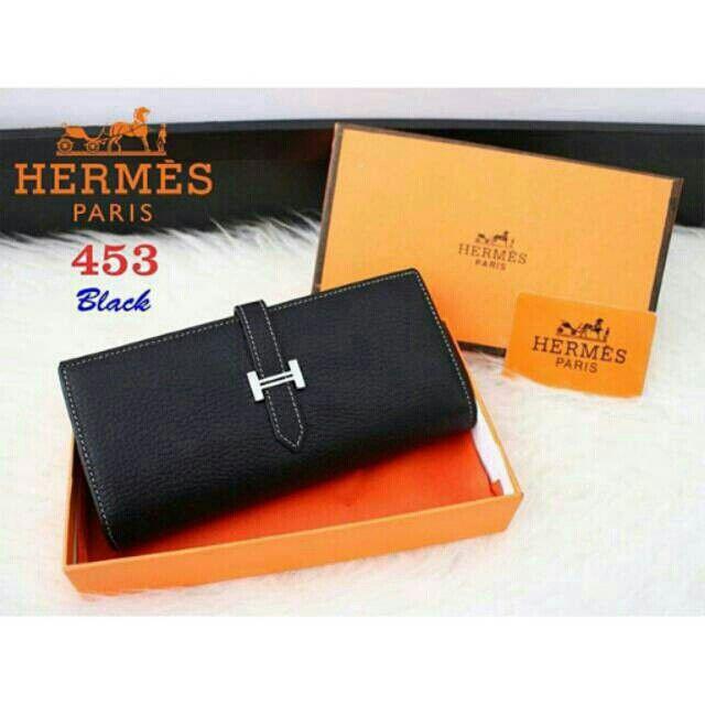 Saya menjual Dompet Hermes seharga Rp265.000. Dapatkan produk ini hanya di  Shopee! 320208fa4b