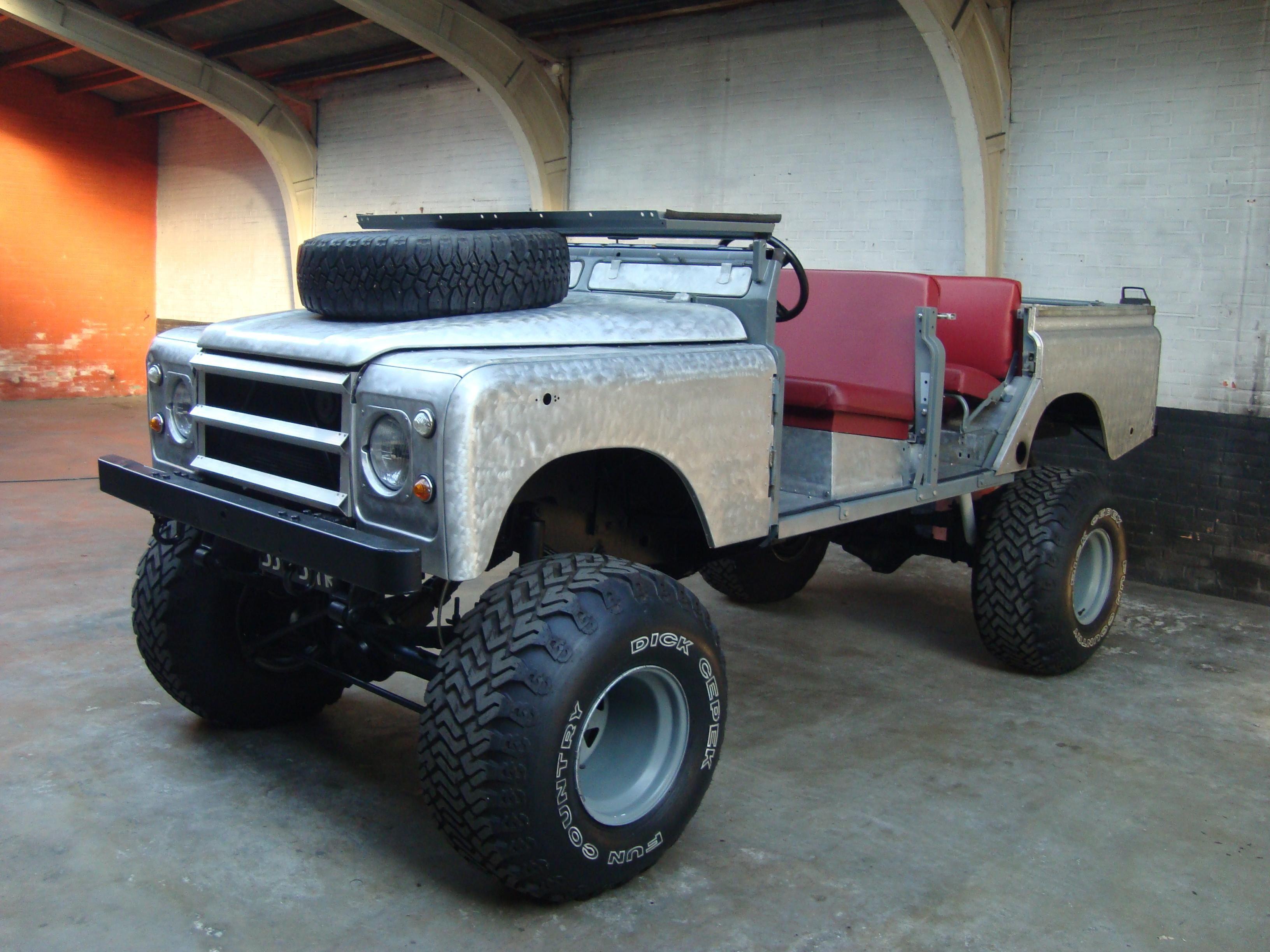 land rover 109 crew cab raw one o nine v8 station wagon pick up 88 90 110 130 4x4 vintage. Black Bedroom Furniture Sets. Home Design Ideas