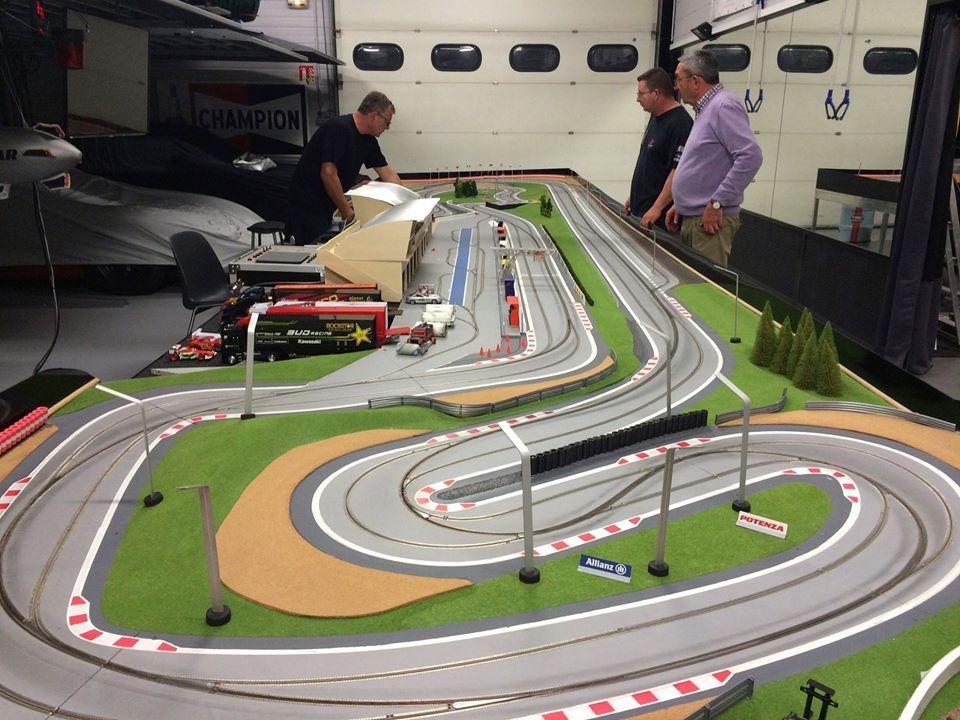 Carrera Slot Car Track Pesquisa Google Slot Car Tracks Slot Cars Slot
