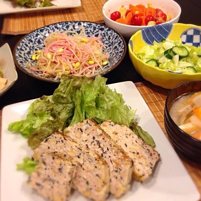 子どもも大好きな鶏挽肉で作ったミートローフ。優しい味でたくさん食べられちゃう(^^) - 14件のもぐもぐ - 和風ミートローフ by uyou73