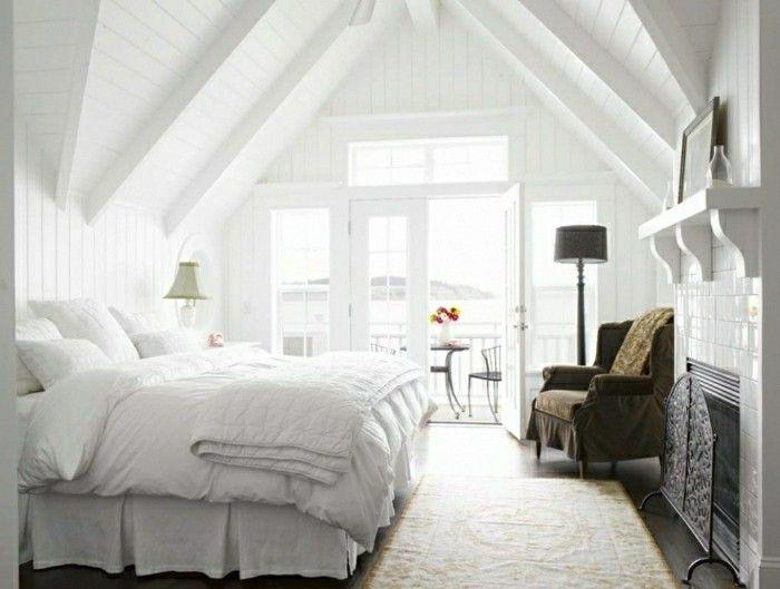 schlafzimmer dachschr ge 33 ideen f r den schlafbereich auf dem dach schlafzimmer einrichten. Black Bedroom Furniture Sets. Home Design Ideas