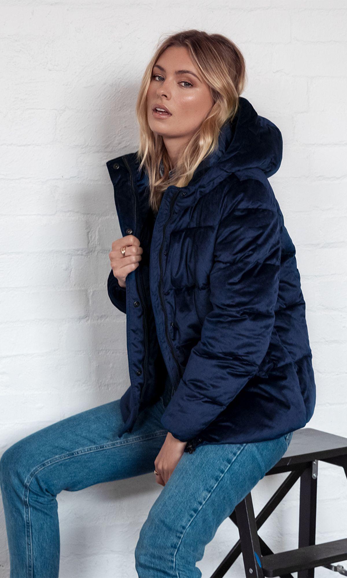 True Blue Puffer Jacket Blue Puffer Jacket Puffer Jackets Jackets [ 2000 x 1200 Pixel ]