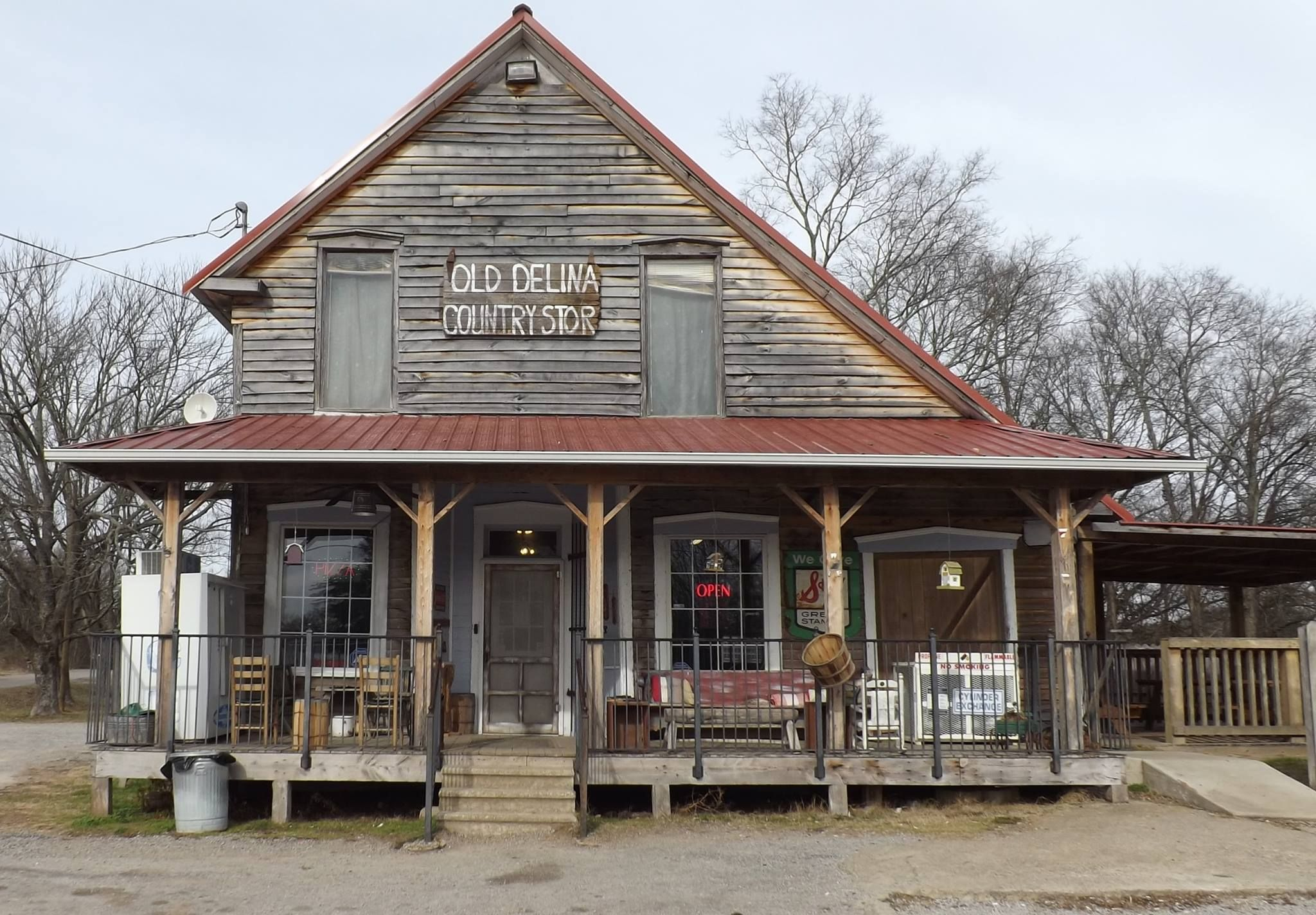 A trip to the oldest grocery store in nashville is like