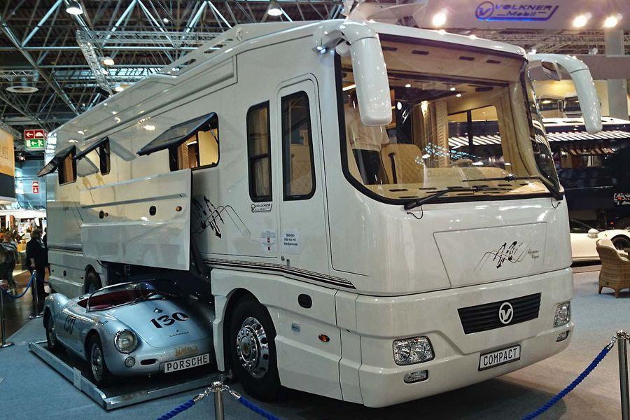 Luxusmobile auf dem Caravan Salon 2014 Caravan, Caravan