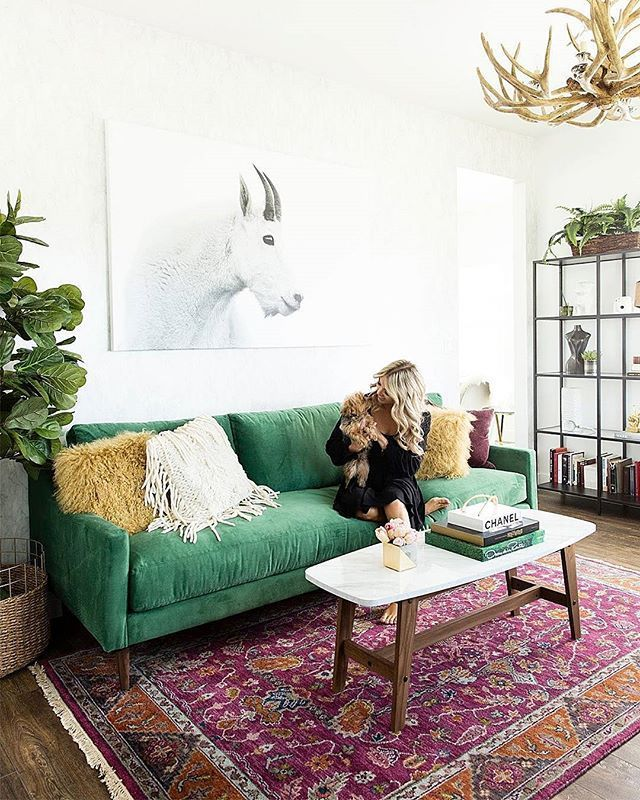 That Softa Gah Gorgeous Green Sofa Living Room Green Couch Living Room Green Living Room Decor
