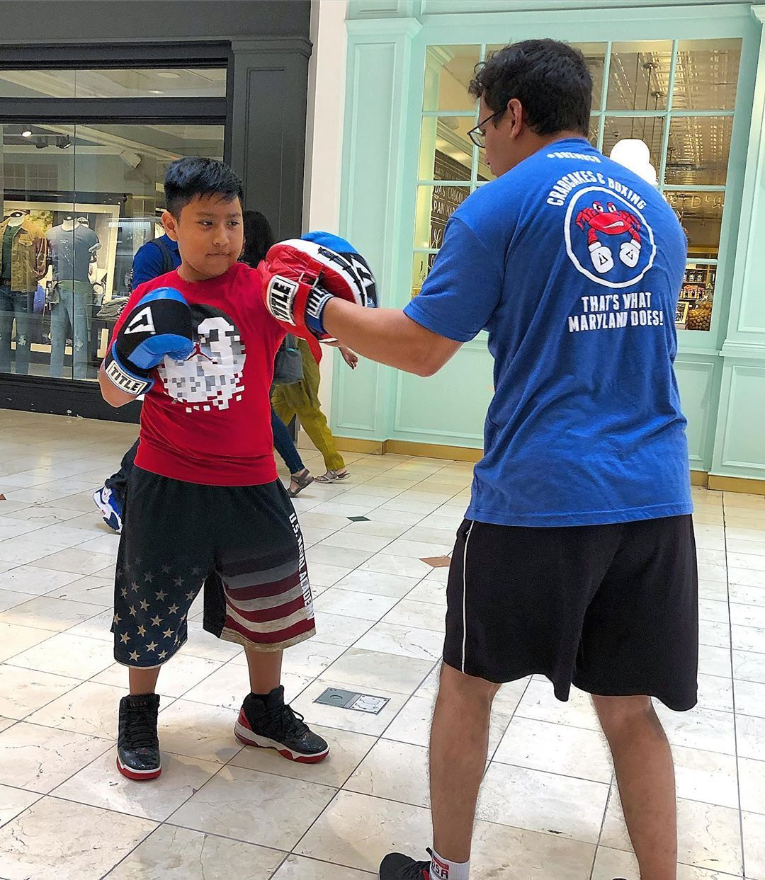 Looking to get the kids involved in boxing? We have a Youth Program too!🥊🥊 • NO CONTACT / DISCIPLINE...