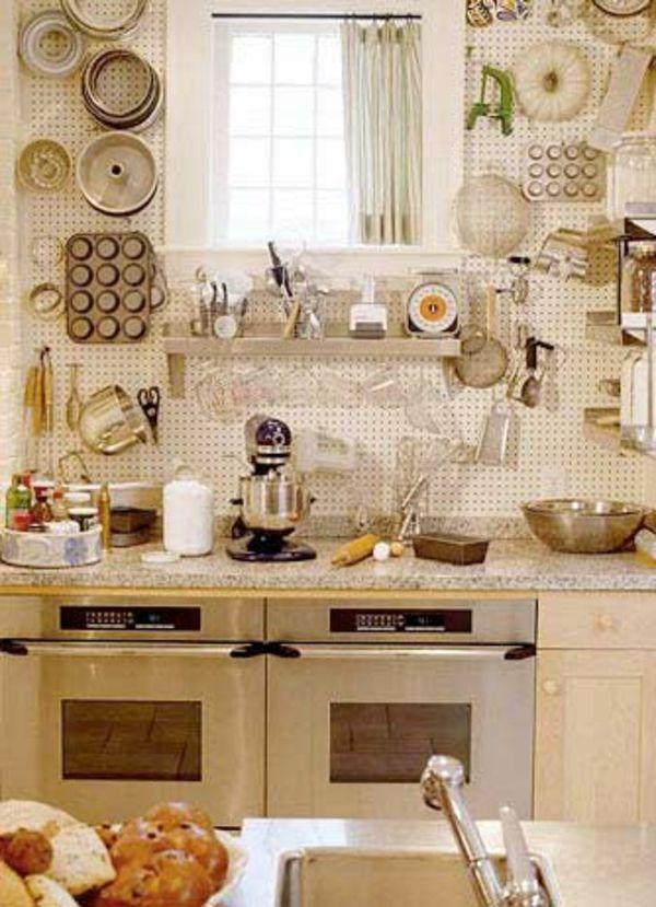 Decoration D Une Petite Cuisine #5: -ivoire-vintage-deco Amenager-une- Petite-cuisine-outiles