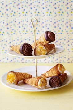 Mocha and tutti frutti cream horns #creamhorns