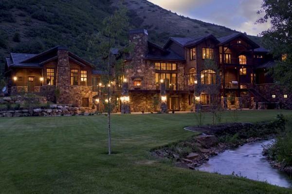 Beautiful Mountain Lake Mansions