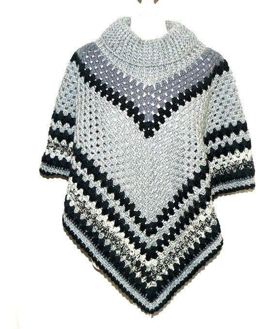 kuscheliger gehäkelter Damen Fashion PONCHO S-L von CrochetRagRug ...
