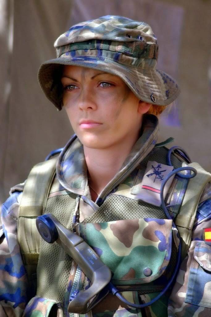 Pin En Mujer Y Fuerzas Armadas