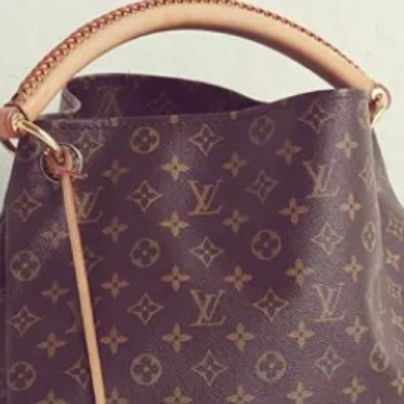 """Louis Vuitton """"Artsy"""" Monogram Tote 18 x 12 x 19 inches (L x H x W) Made in France. Purchased NEW at online outlet store. Never been used. Louis Vuitton Bags Totes"""