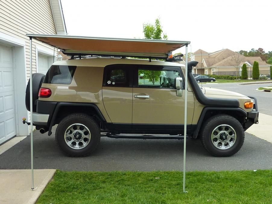 Easy To Mount And Operate These Retractable Awnings Fit On To The Side Of A Roof Rack And Are Convenientl Fj Cruiser Toyota Fj Cruiser Fj Cruiser Accessories