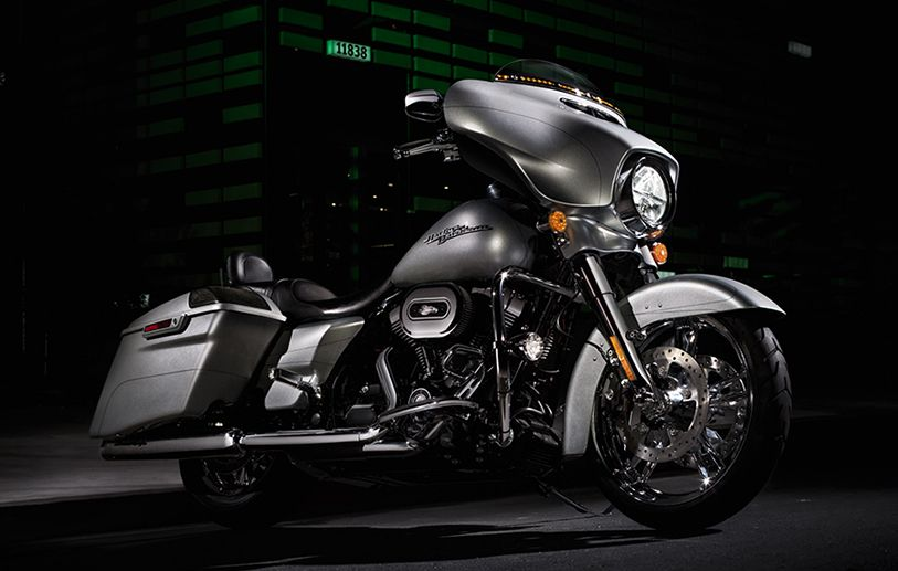This is a state of the art motorcycle. | 2015 Harley-Davidson Street Glide Special