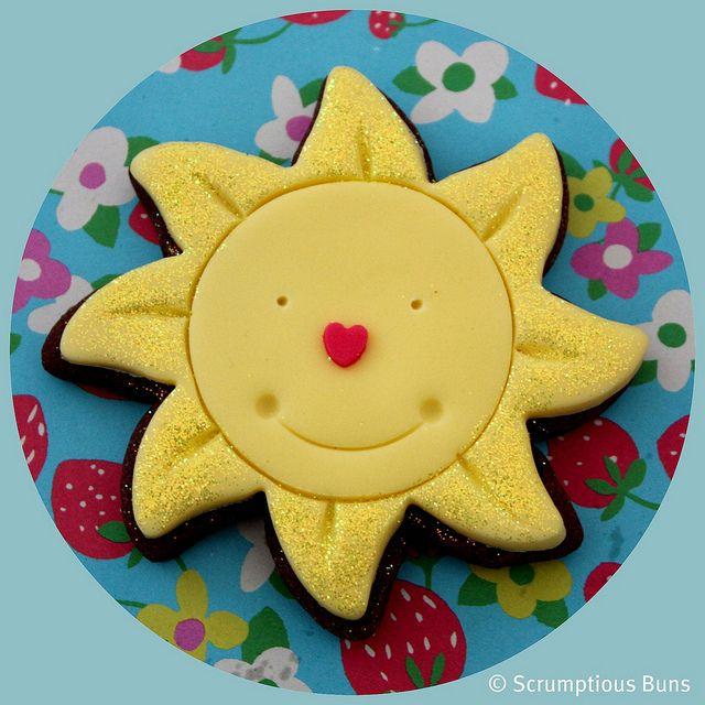 Rain or Shine ⚜ Summer Sun Cookie