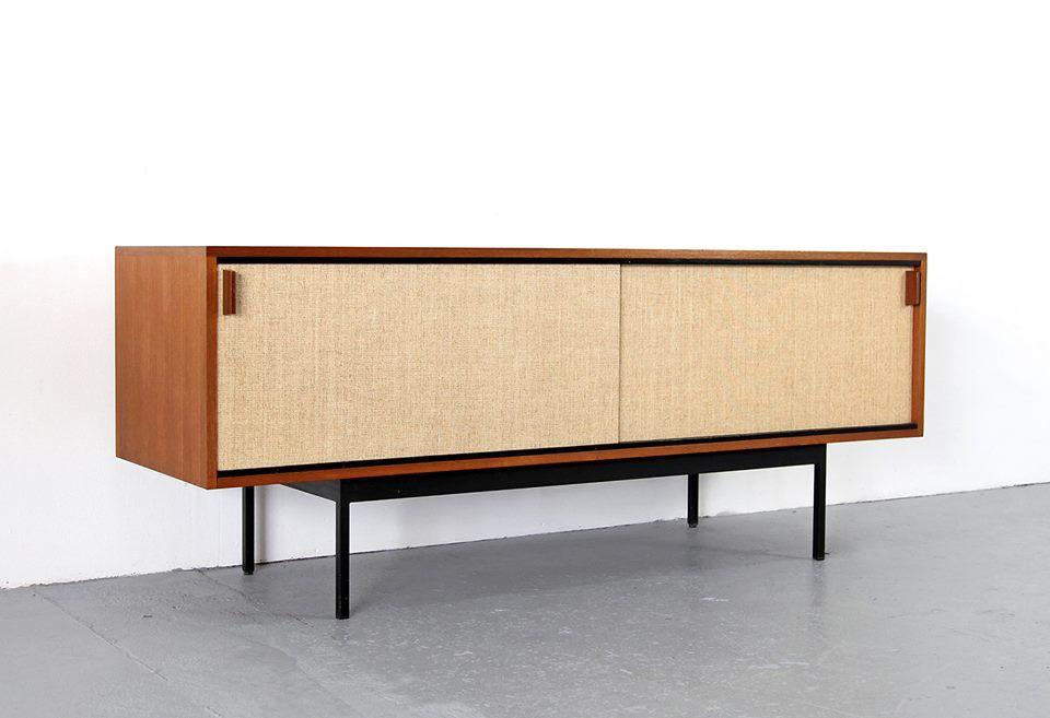 Buffet Concu Par Dieter Waeckerlin Et Realise Par Behr De L Allemagne En 1950 S Photo Adoremodern Mobilier Vintage Design Design