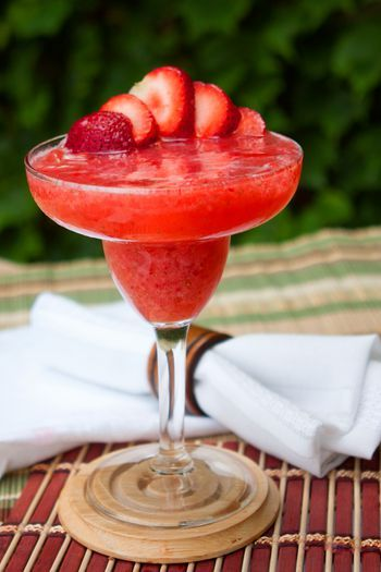 Blend Up A Fresh Strawberry Margarita Recipe Strawberry Margarita Recipe Strawberry Margarita Frozen Strawberry Margarita