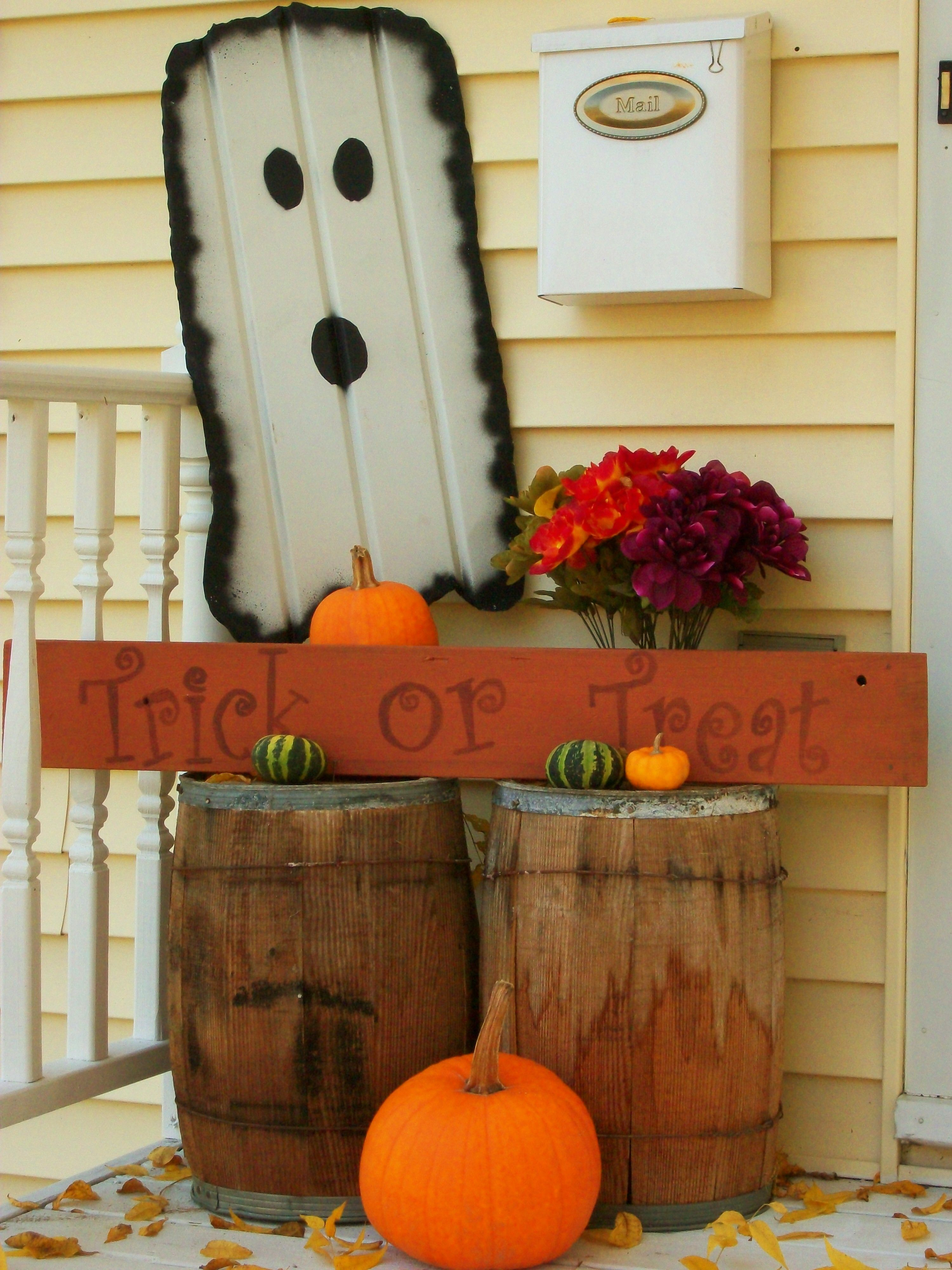 DIY Trick or Treat Sign Halloween food decorations